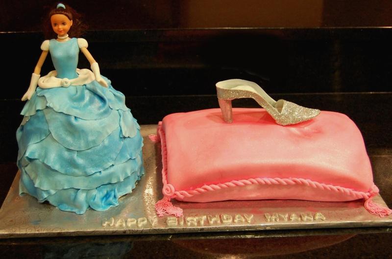 Cinderella theme cake