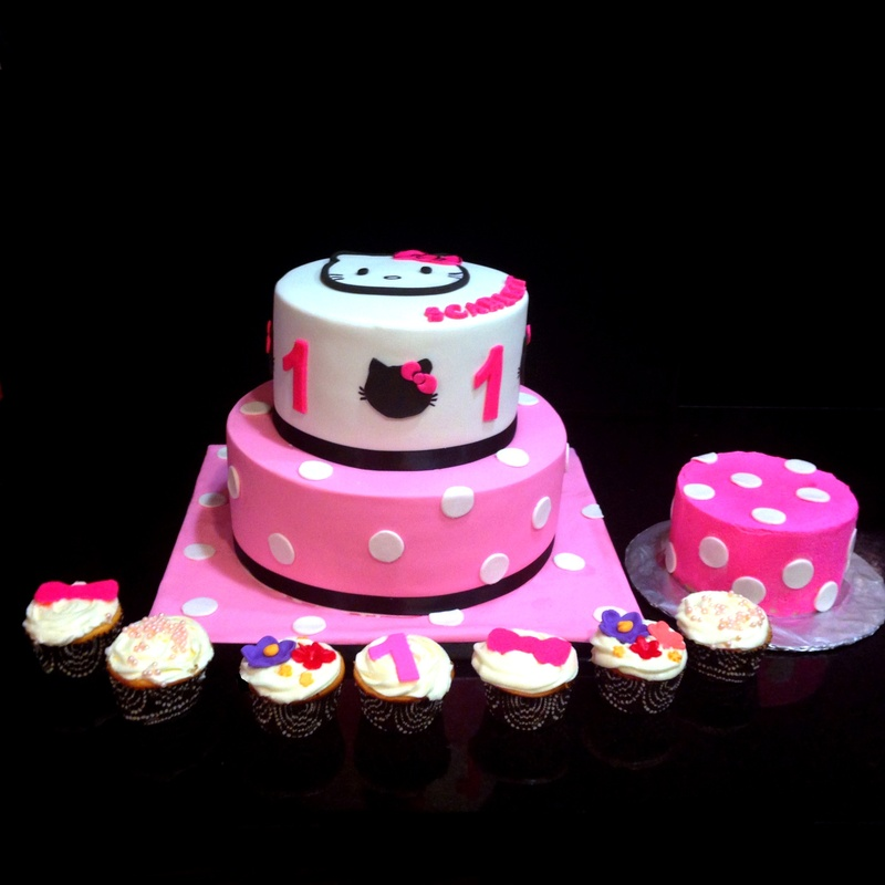 Hello Kitty Cake with smash cake and cupcakes