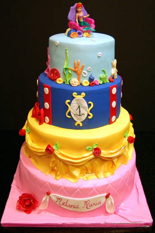 Disney Cake Designs : Disney Princesses cake - Maria s Dream Cakes